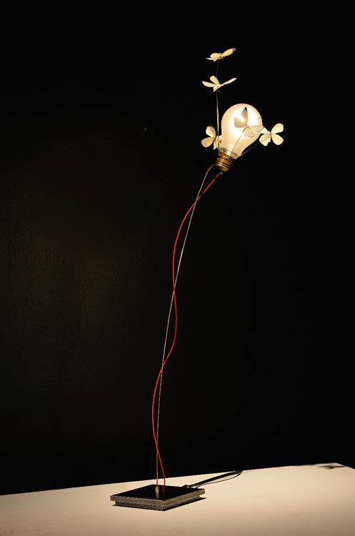 ingo maurer lampe mississippi sisters ingo maurer lighting ingo maurer lucellino table lamp. Black Bedroom Furniture Sets. Home Design Ideas