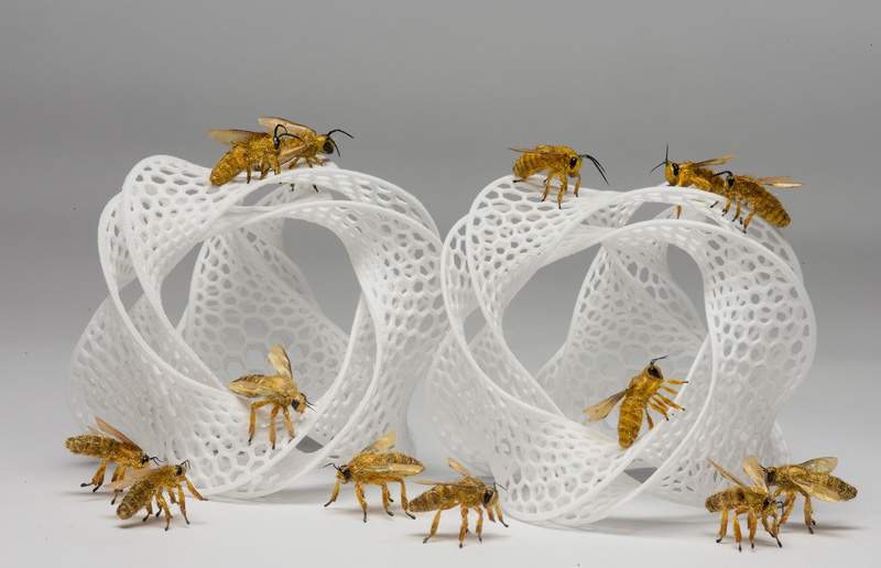 Artificial fake honeybees