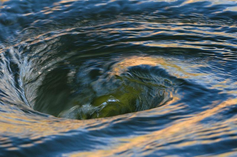ишни водоворот на море фото оформлении