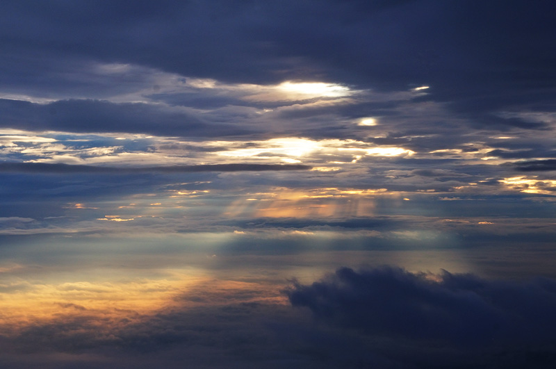 Layer of light in the sky, photographed while flying over New york